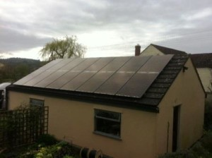 Hyundai All Black Solar Panels for a domestic customer of GSM installed in Taynton, Gloucestershire